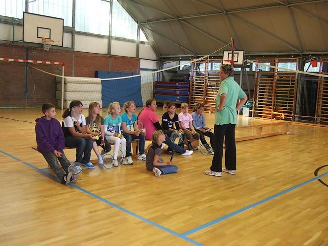 badminton heinrich heine schule ostseebad karlshagen. Black Bedroom Furniture Sets. Home Design Ideas